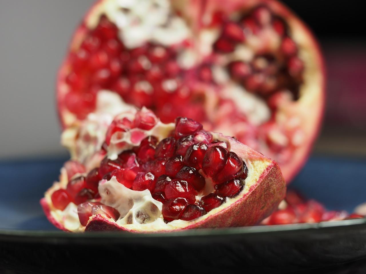 Melograno nella dieta: le proprietà dimagranti, le calorie e i valori nutrizionali