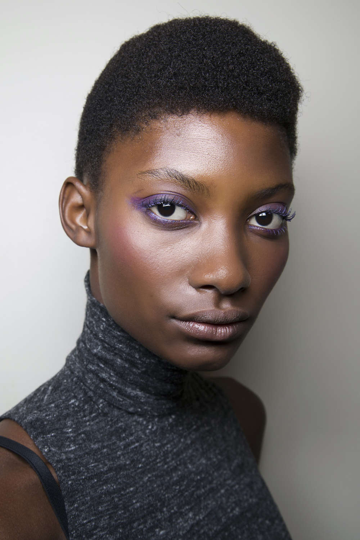 trucco ultra violet pelle scura
