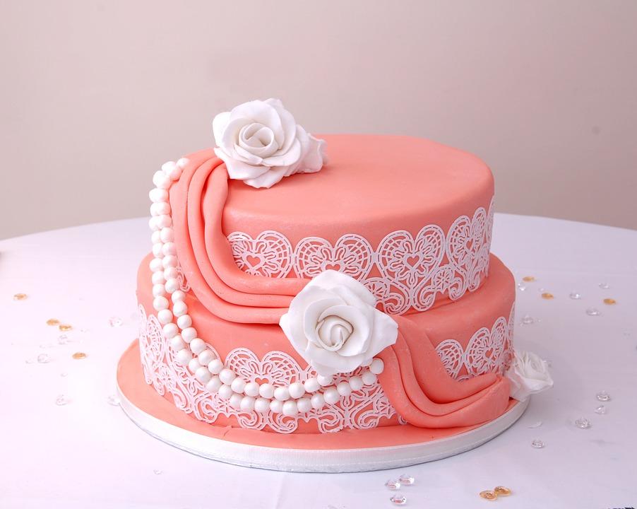 Torta romantica per addio al nubilato con perle