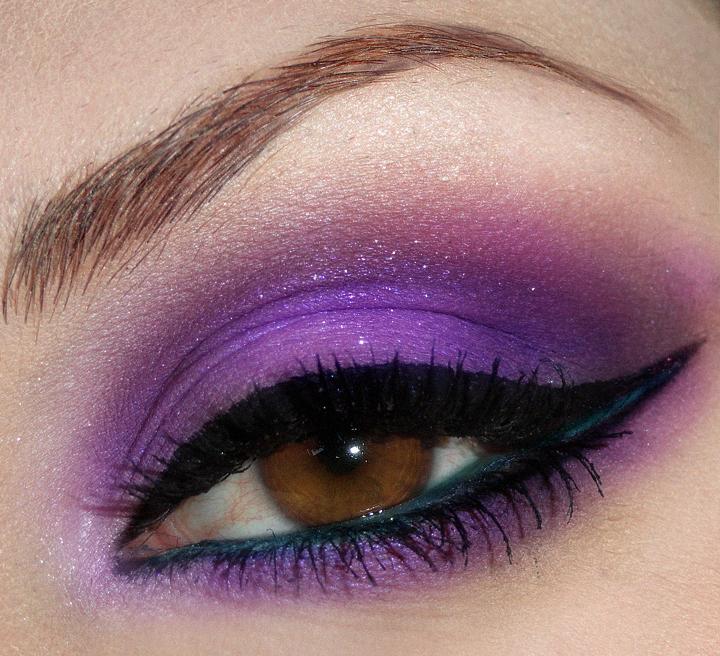 Trucco Ultra Violet occhi marroni