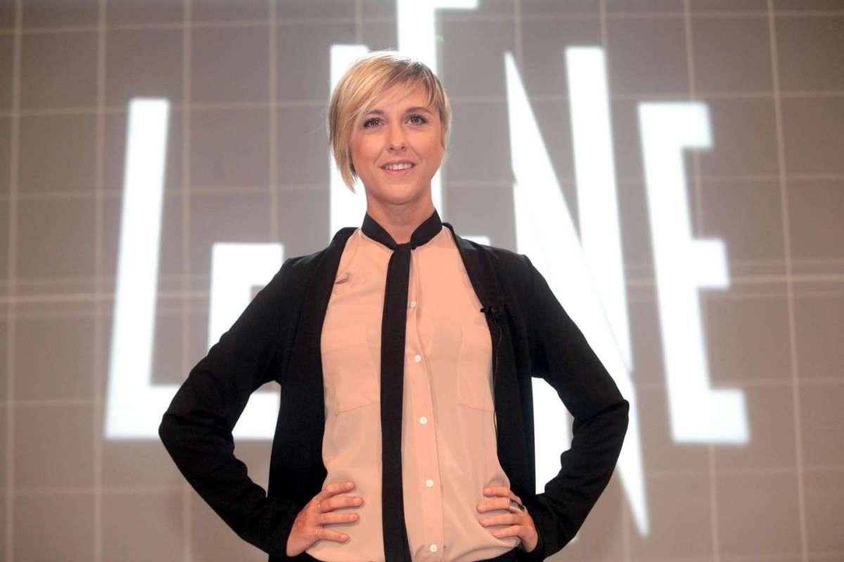Nadia Toffa sta meglio: il primo messaggio social dopo il malore e le parole dei colleghi a Le Iene
