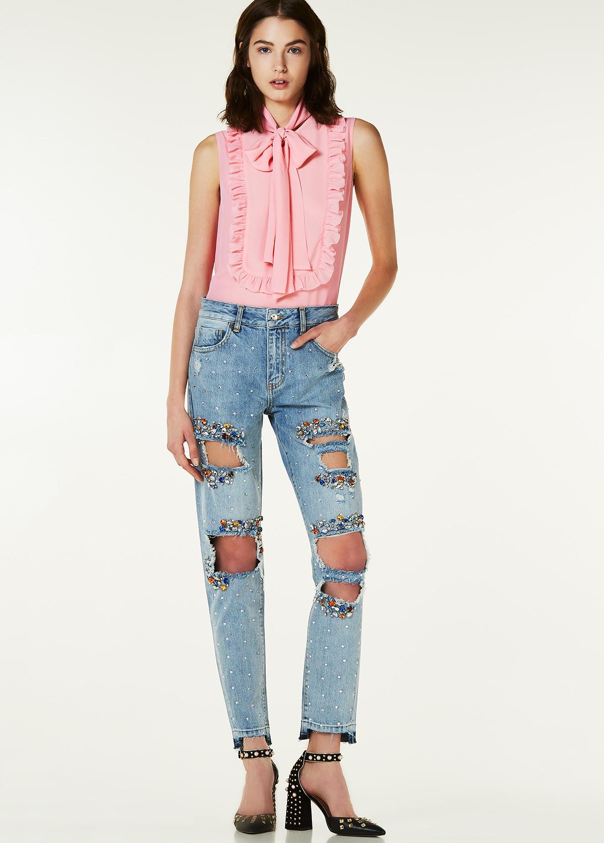 Jeans boyfriend con applicazioni Liu Jo collezione primavera estate 2018