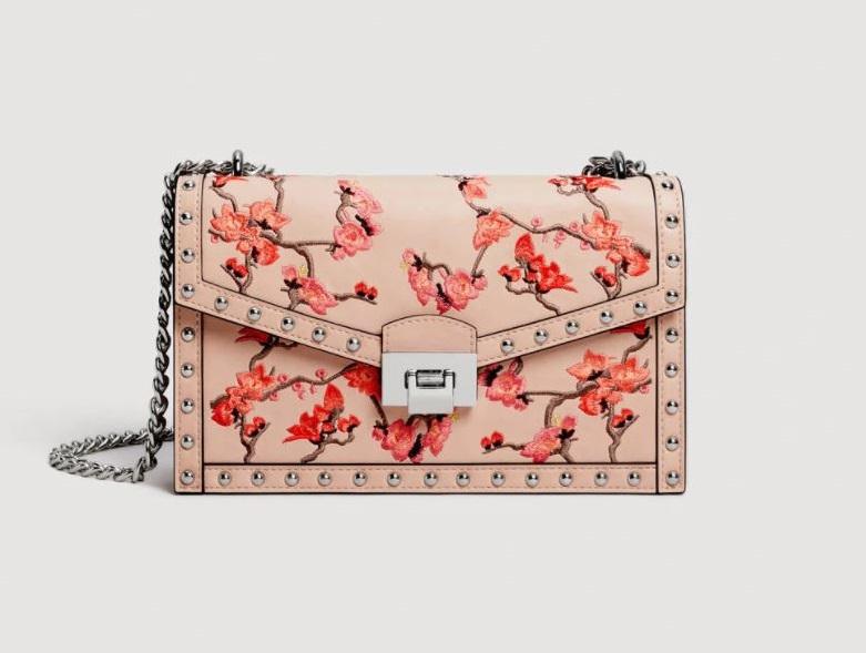 Tracolla con borchie a fiori Mango primavera estate 2018