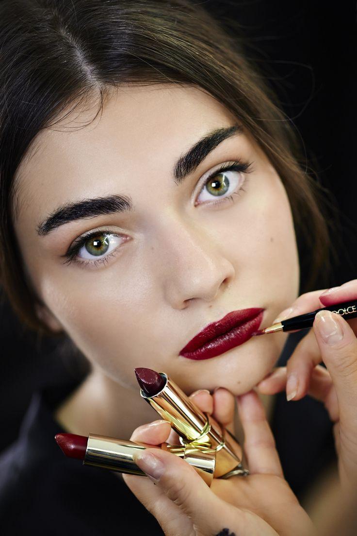 rossetto rosso scuro eyeliner trucco san valentino