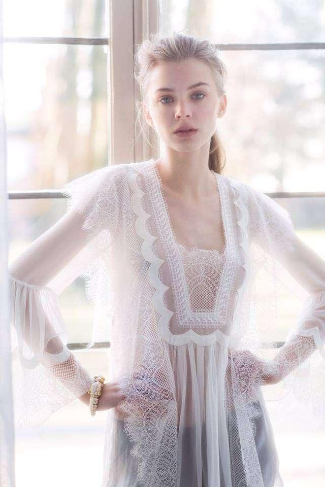 top fashion 52f61 7a9ad Abiti da sposa Alberta Ferretti 2018: la nuova collezione ...