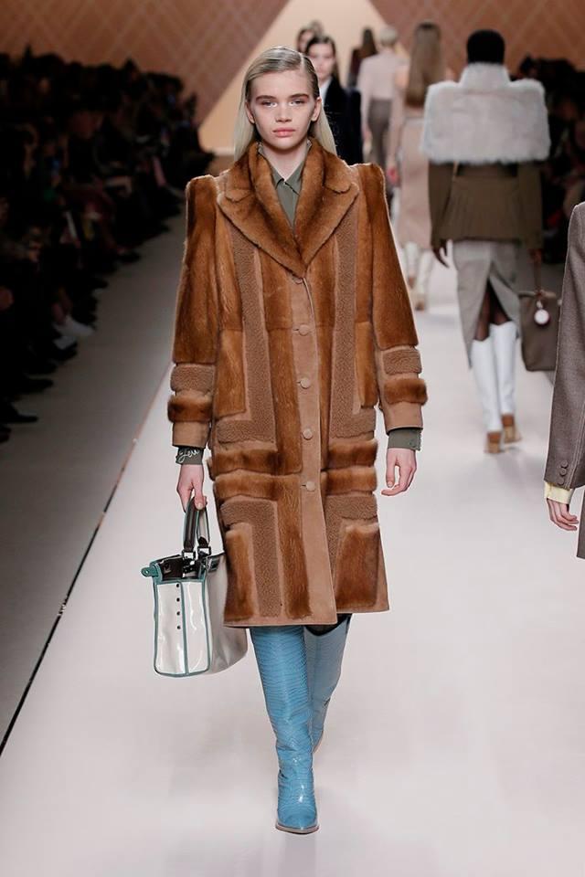 Cappotto di pelliccia Fendi fb