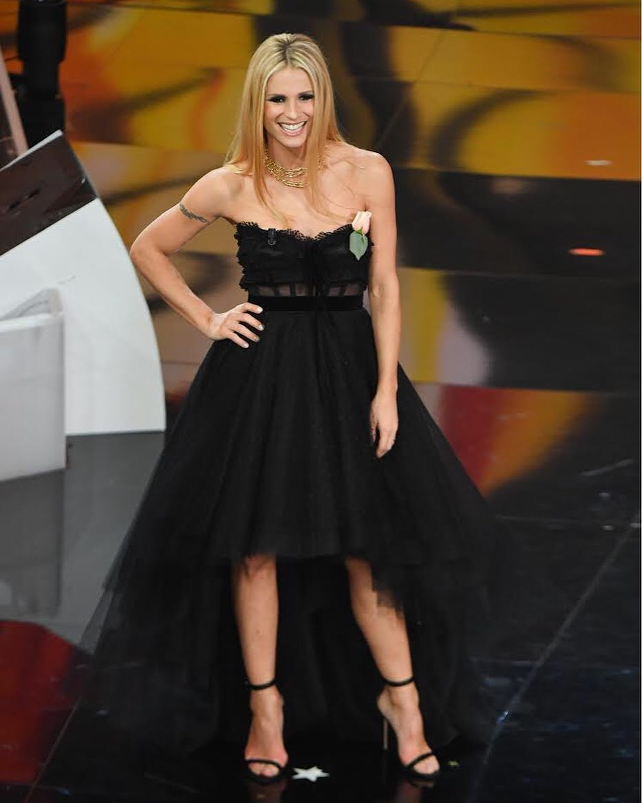 Michelle Hunziker in Philosophy di Lorenzo Serafini inst