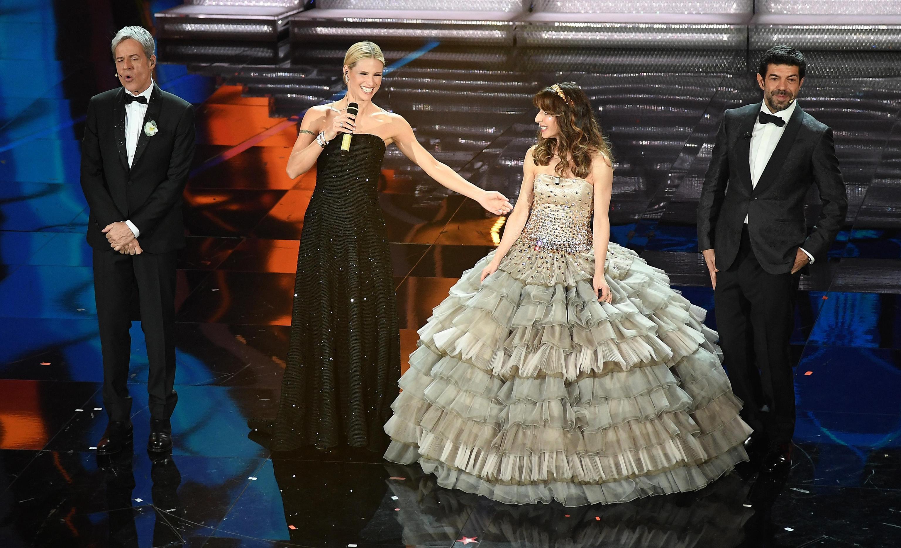 Sabrina Impacciatore con un abito principesco a Sanremo 2018