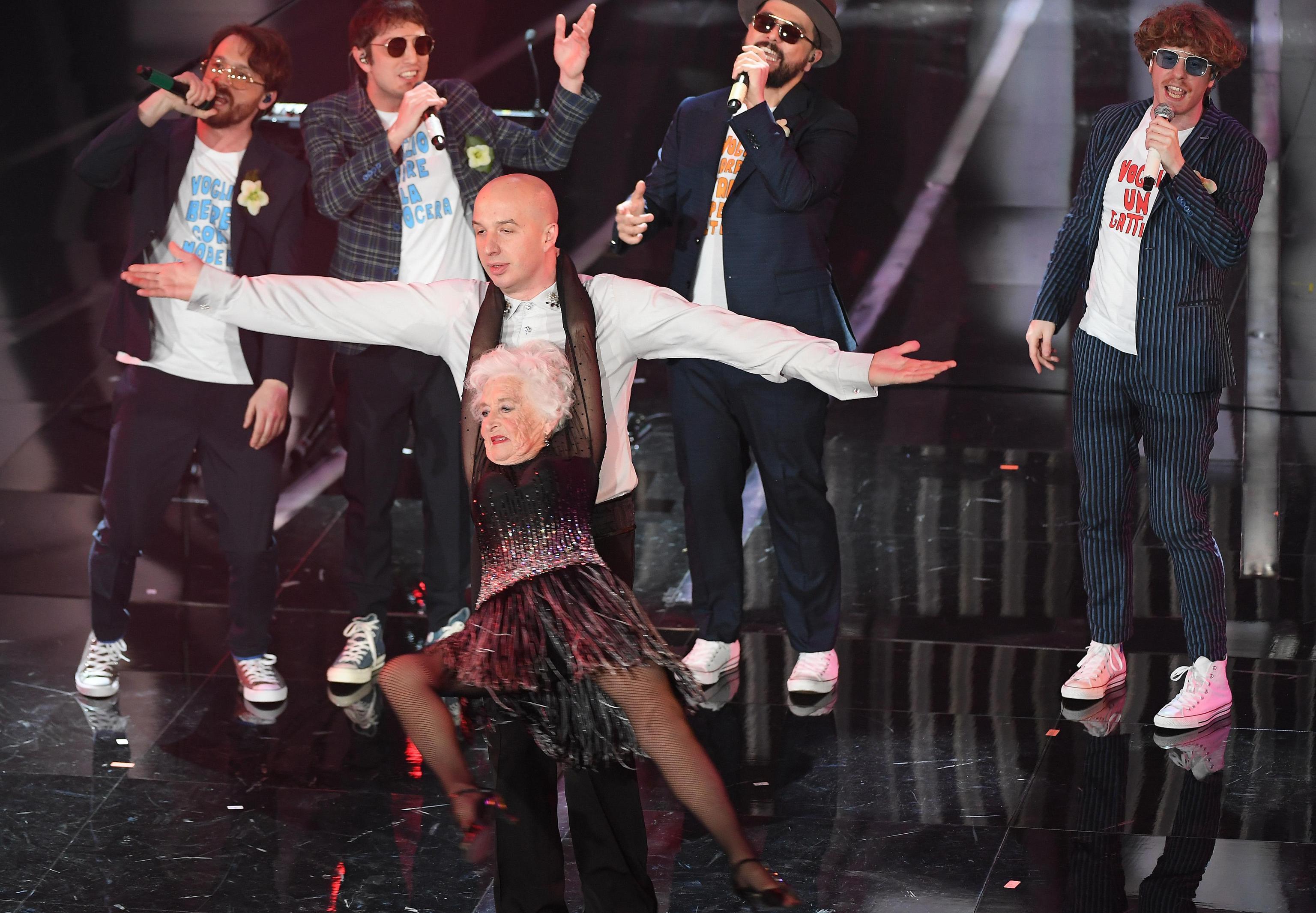 Festival di Sanremo 2018: chi è Paddy Jones, la ballerina de Lo Stato Sociale?