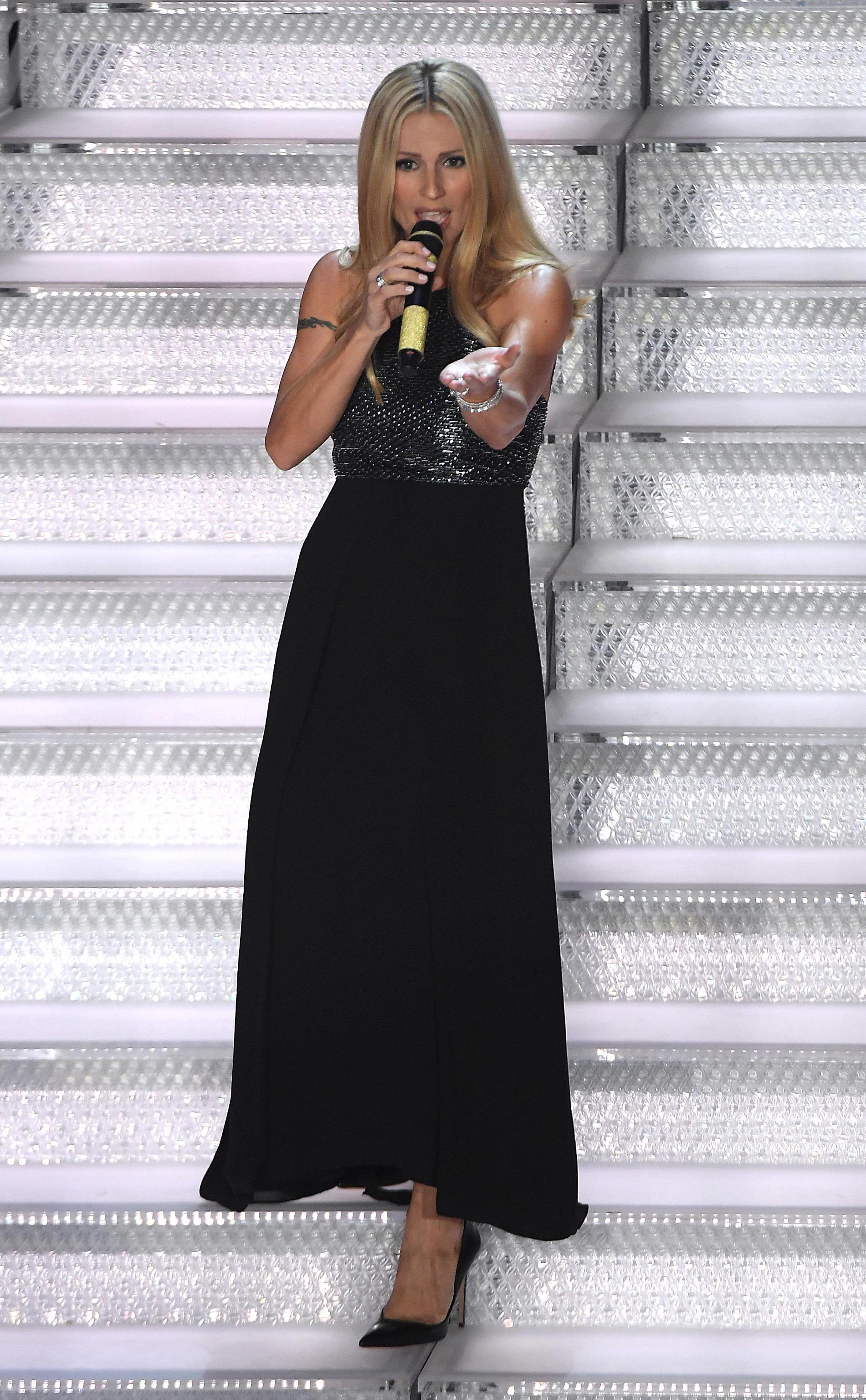 Il secondo abito di Michelle Hunziker a Sanremo 2018