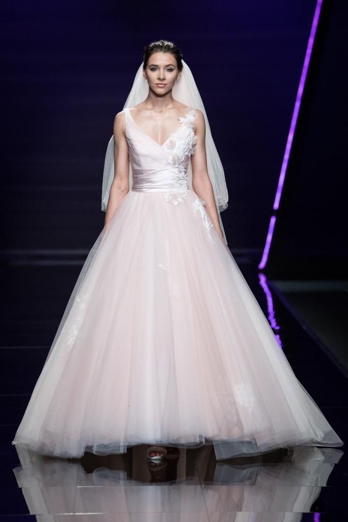 4740b4c34401 Abiti da sposa Bellantuono 2019  la nuova collezione