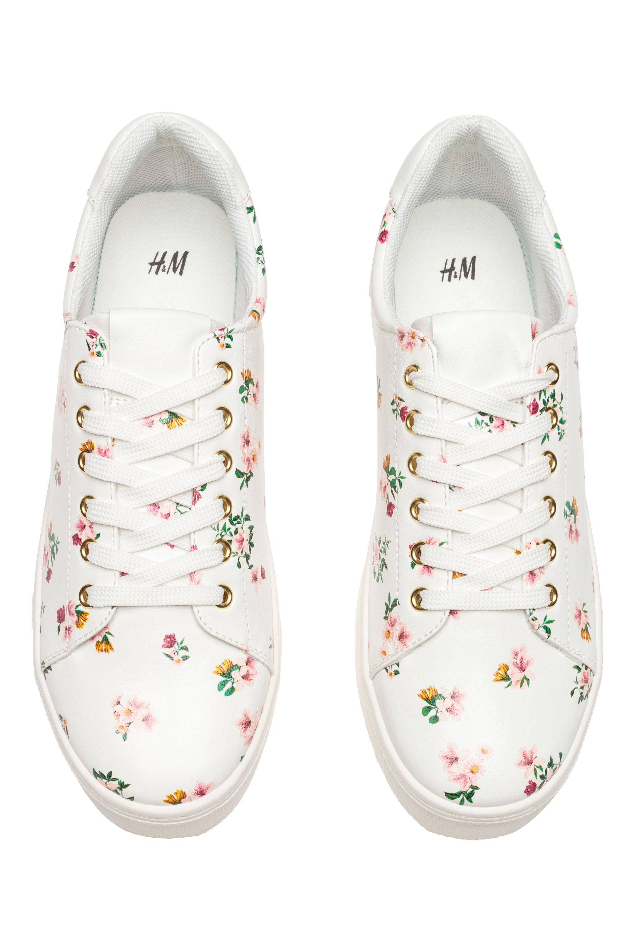 Sneakers a fiori H&M a 24,99 euro