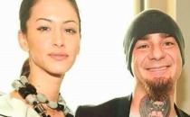 J-Ax confessa: 'Ho sconfitto la cocaina grazie a mia moglie'