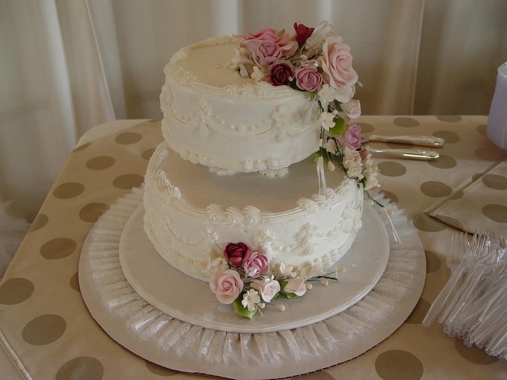 torta cresima con rose