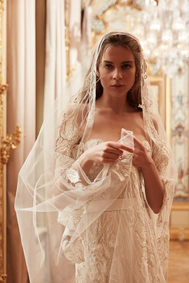 Abito da sposa con inserti gioiello Elie Saab