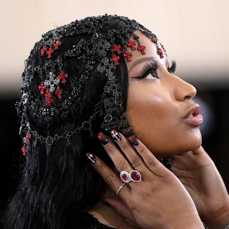 Le unghie mistiche di Nicki Minaj