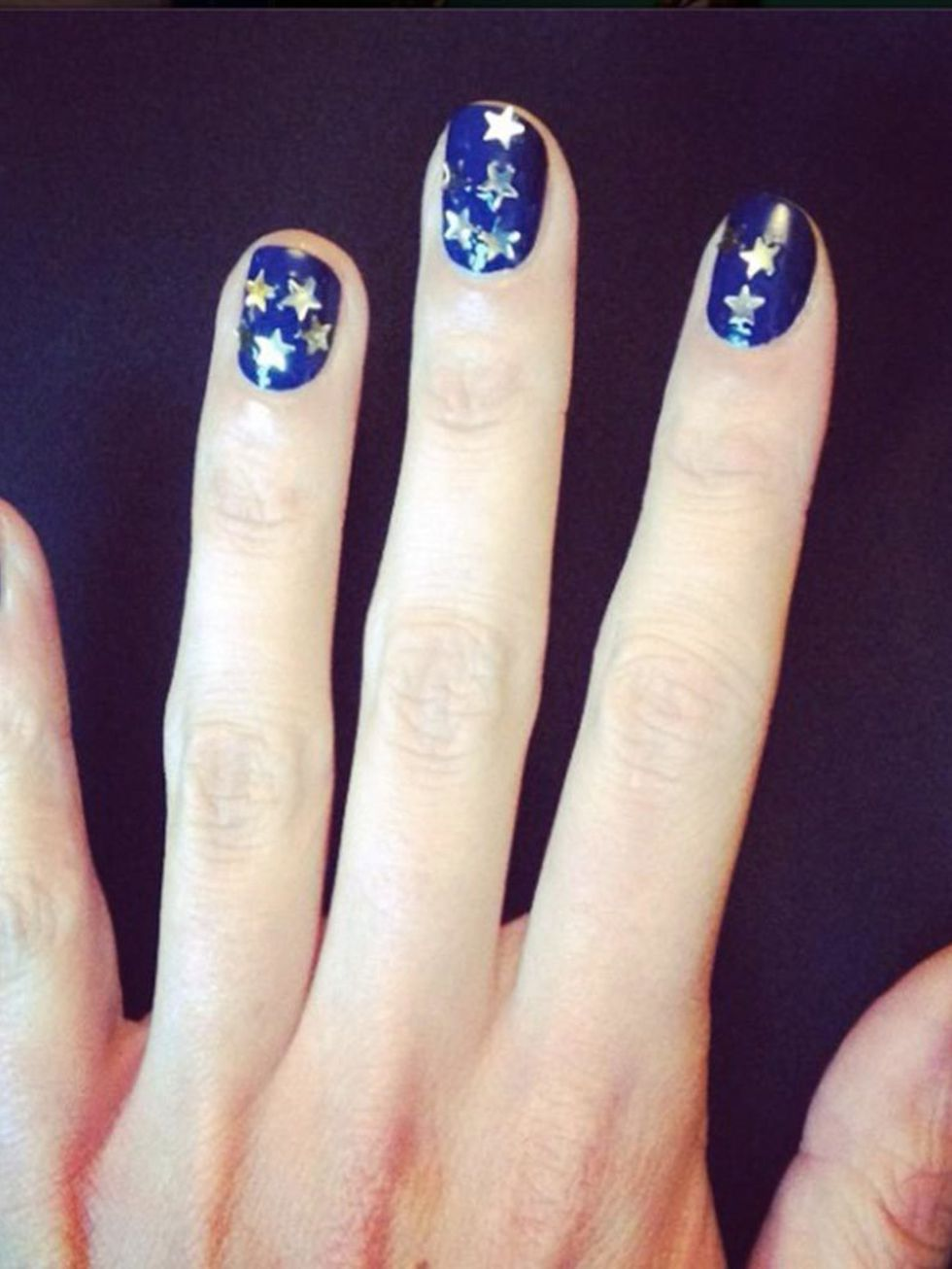 Nail art a stelle Alexa Chung
