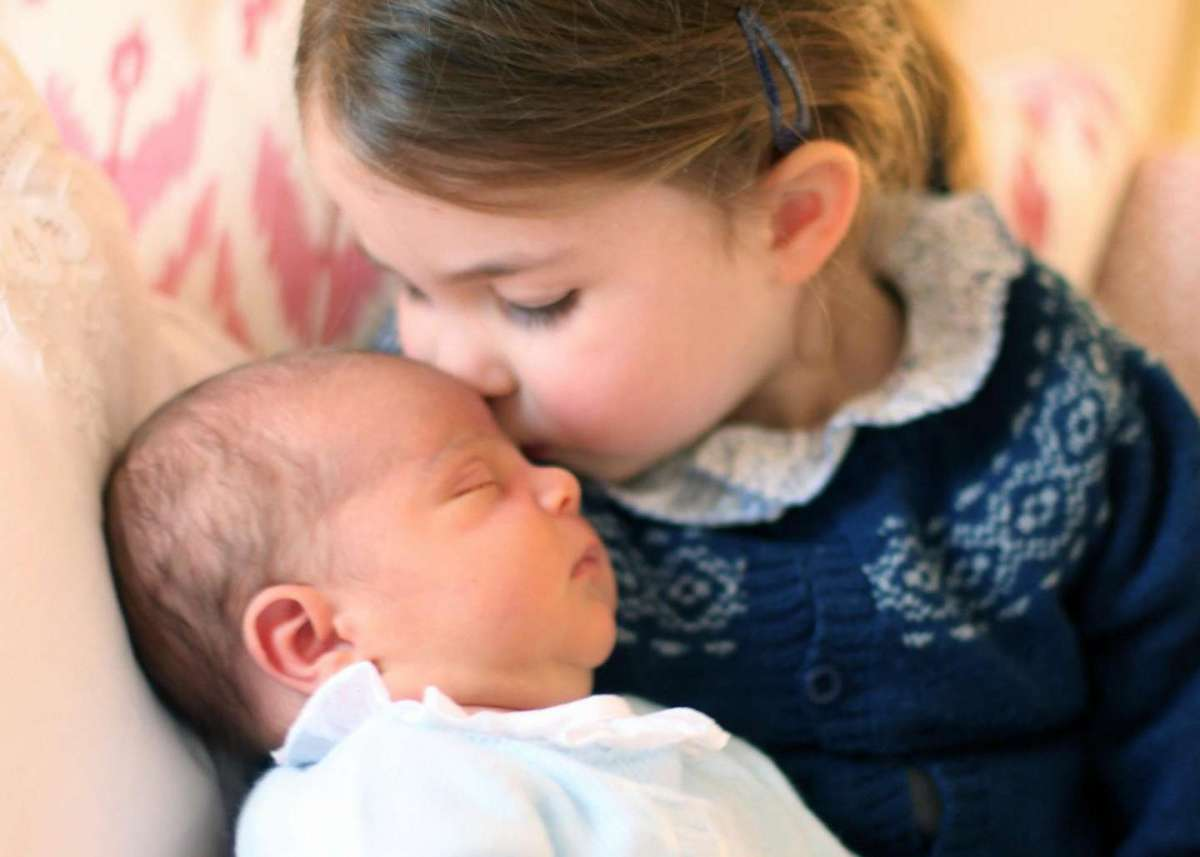 Royal Baby: le prime foto ufficiali di Louis di Cambridge