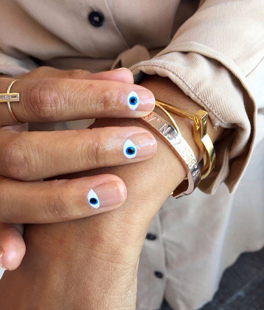 unghie minimal colorate