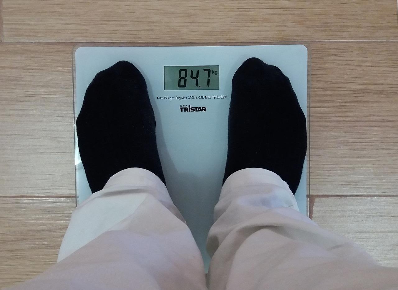 Bambini obesi influisce il comportamento delle mamme. Lo studio dell'Università di Padova