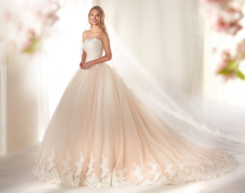 Vestito da sposa rosa antico