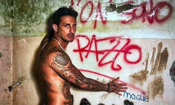 Fabrizio Corona contro Don Mazzi: 'È un buffone, vuole soltanto apparire'