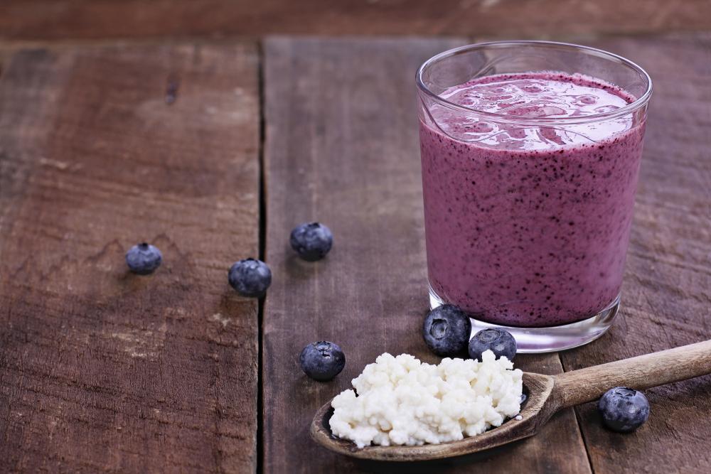 Cos'è il Kefir d'acqua o latte, e quali sono i benefici per la salute