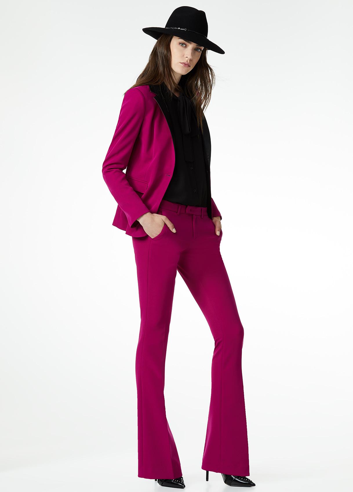 Pantaloni a zampa Liu Jo colorati a 109 euro