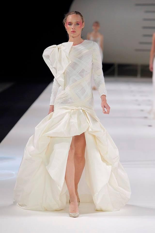 Vestito da sposa asimmetrico Yolan Cris
