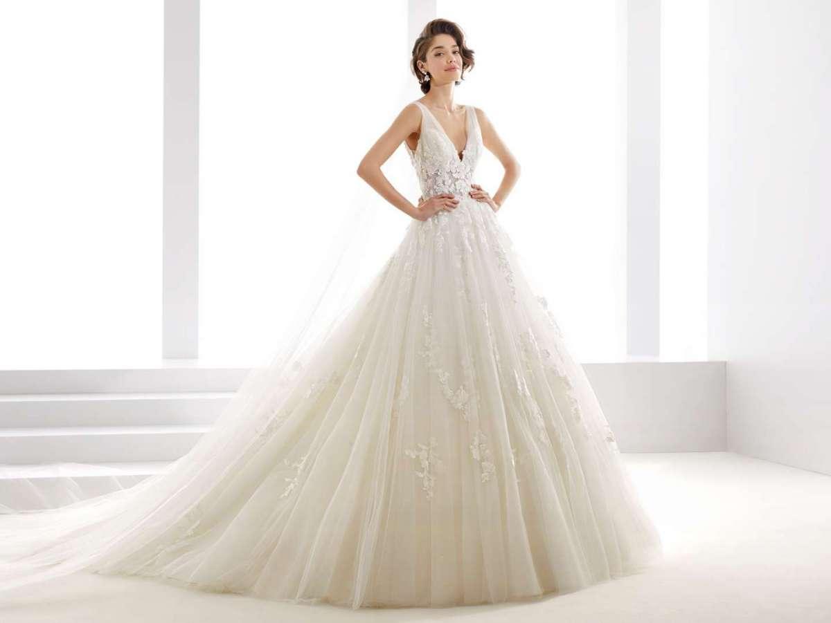 Abiti da sposa Jolie 2019  la nuova collezione  72dfdd687f7