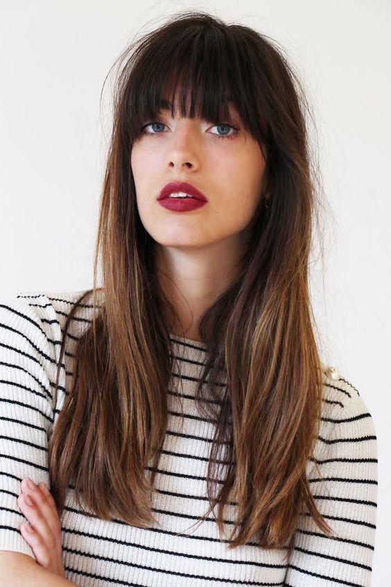 tagli capelli lunghi con frangia estate 2018