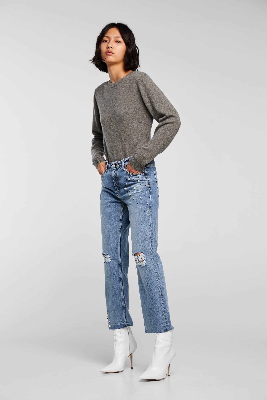 Jeans strappati con perle Zara a 39,95 euro