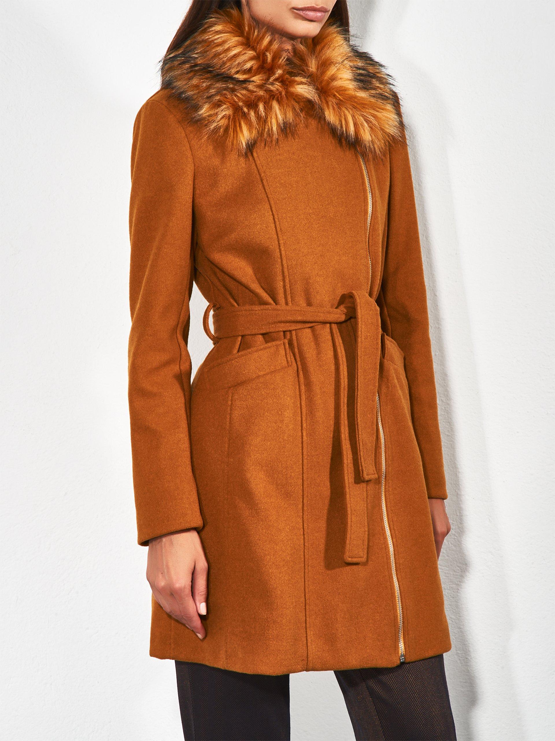 Cappotto elegante Rinascimento a 179 euro d1fd5ebe9ef