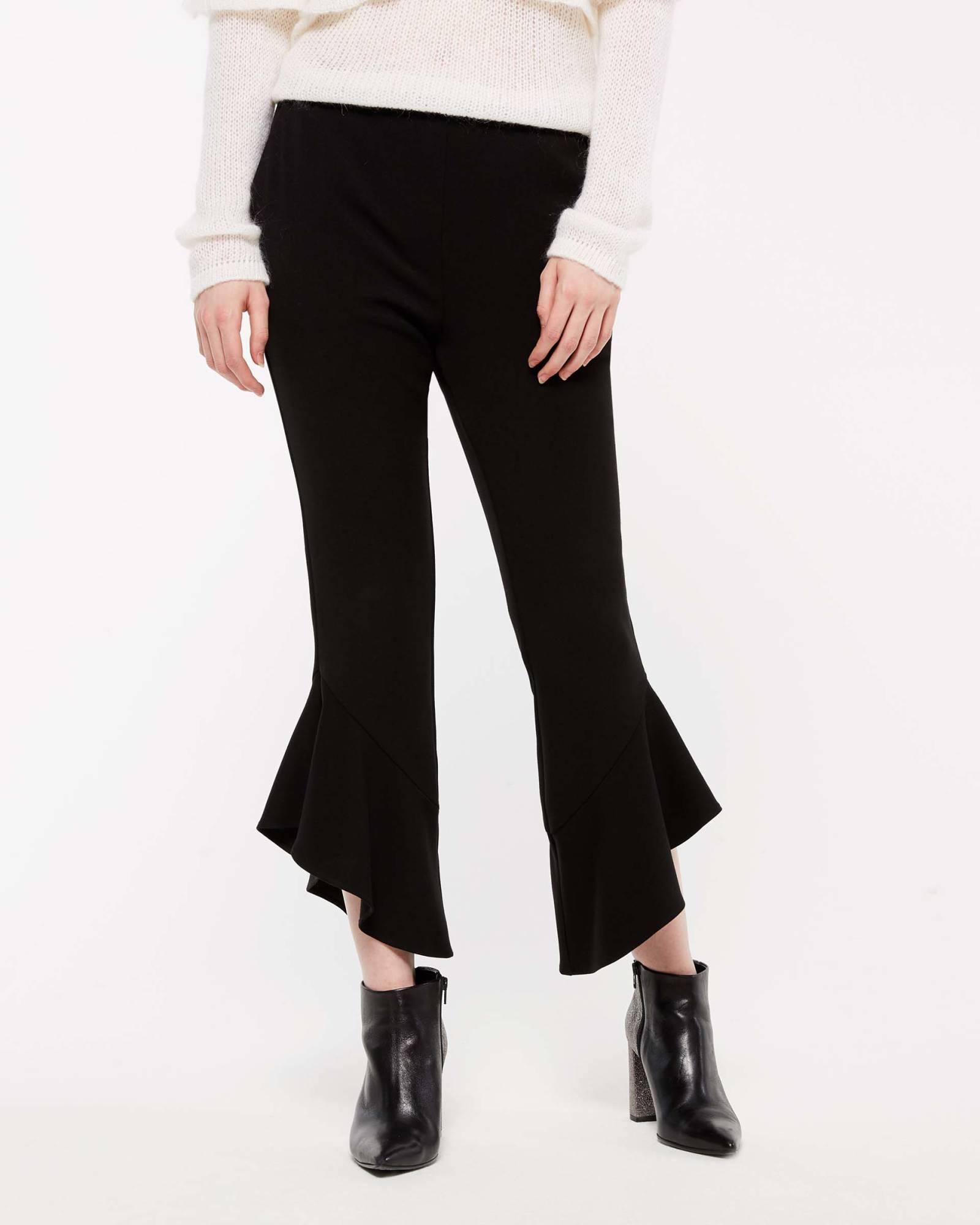 Pantaloni a zampa corti Sisley collezione autunno inverno 2018 2019 a2ed7360f63
