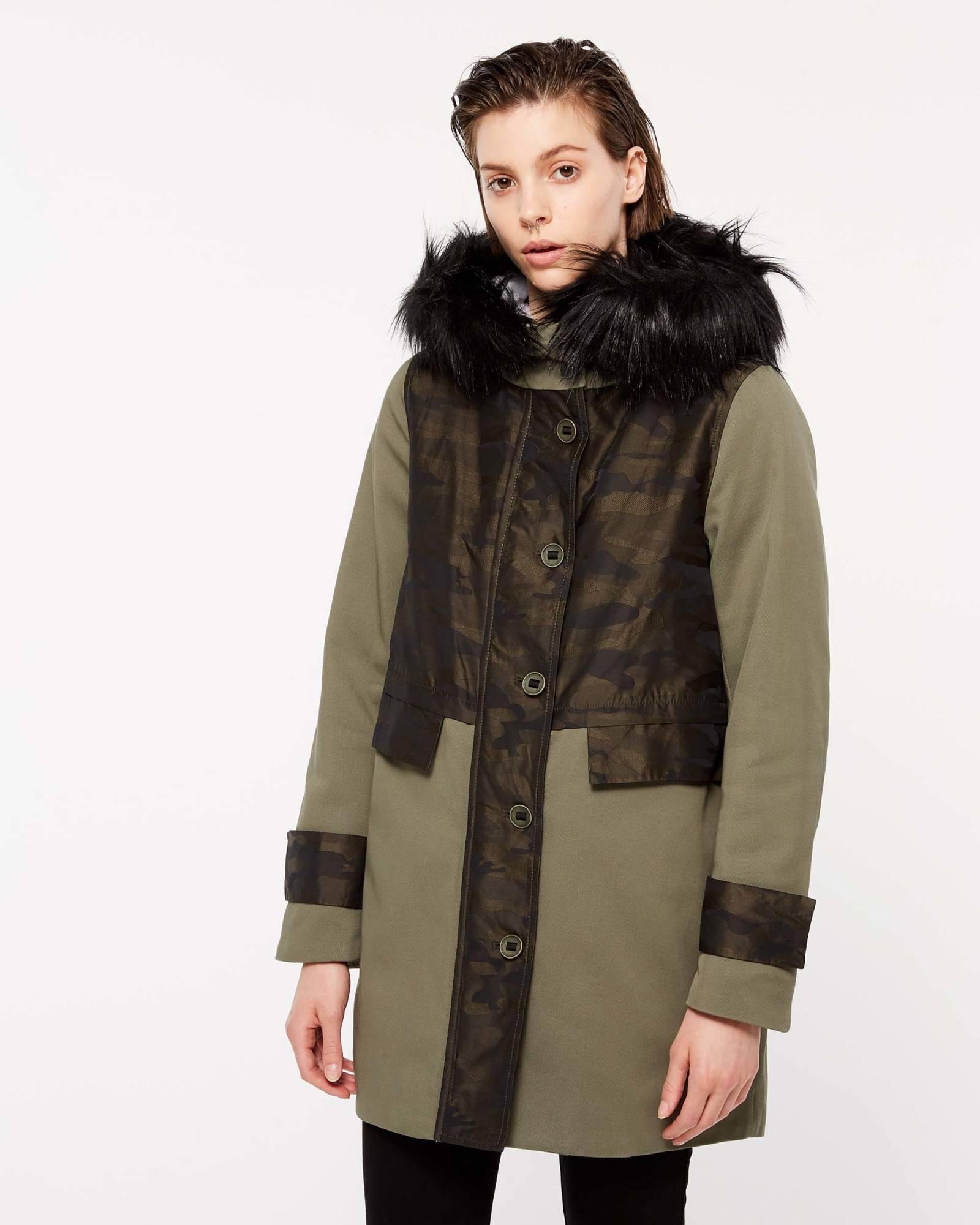 Parka Sisley con pelo collezione autunno inverno 2018 2019 4da958b8549