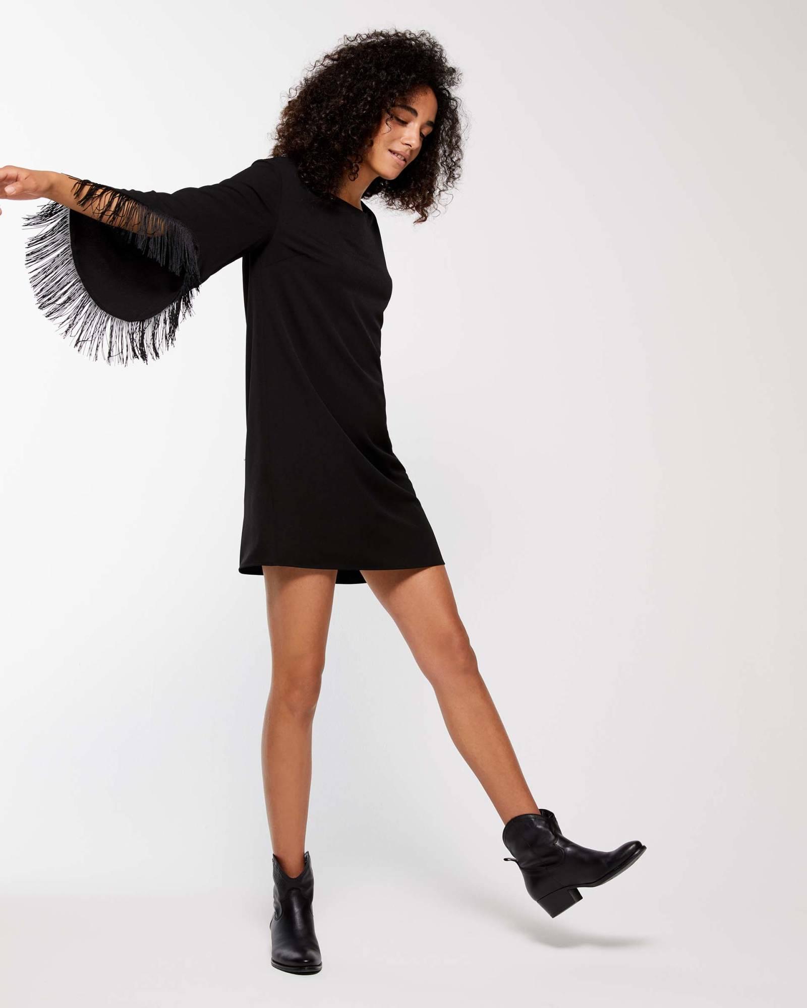 Vestito Sisley nero corto con frange collezione autunno inverno 2018 2019