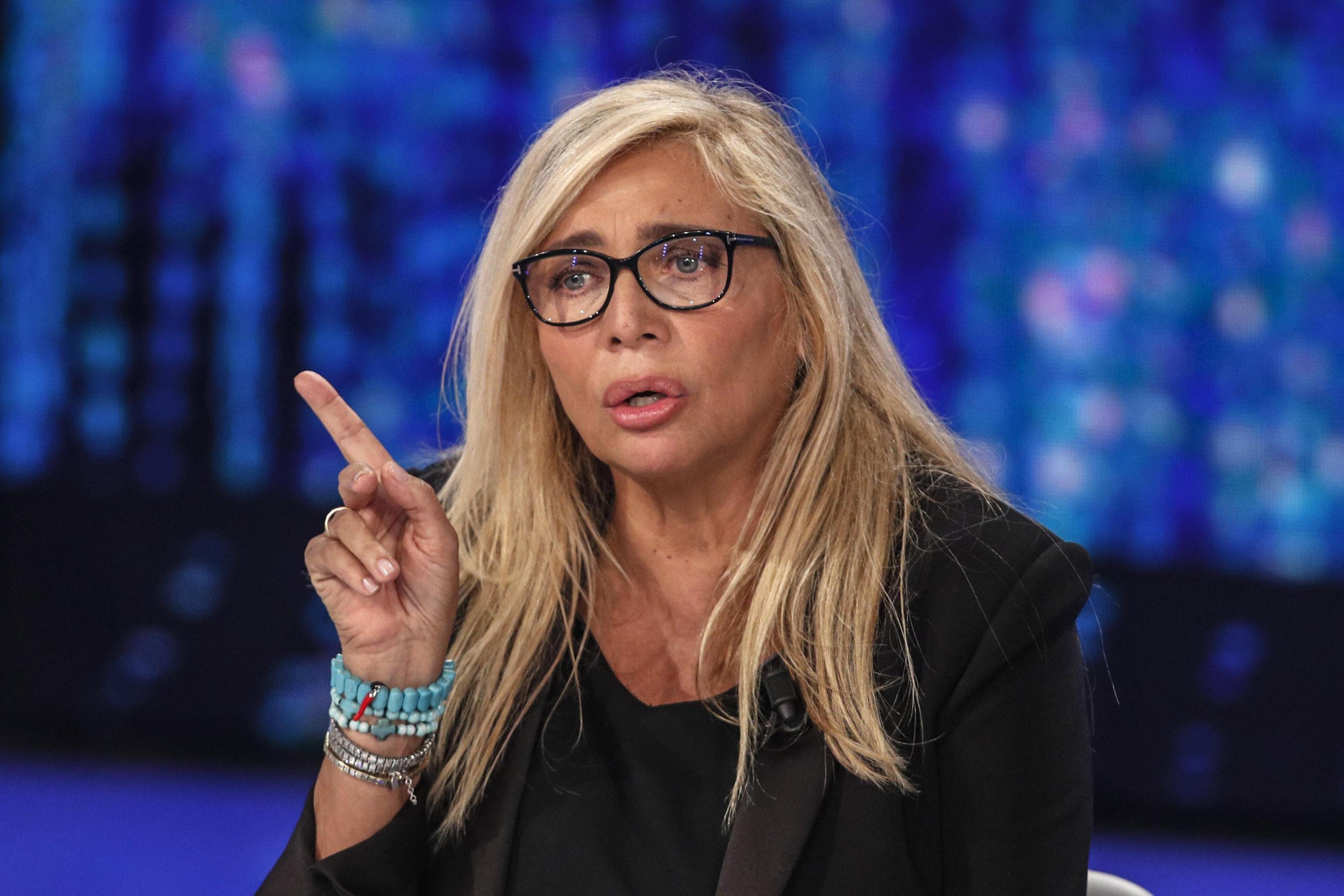 Mara Venier, polemica per Domenica In: si discute di sesso in fascia protetta