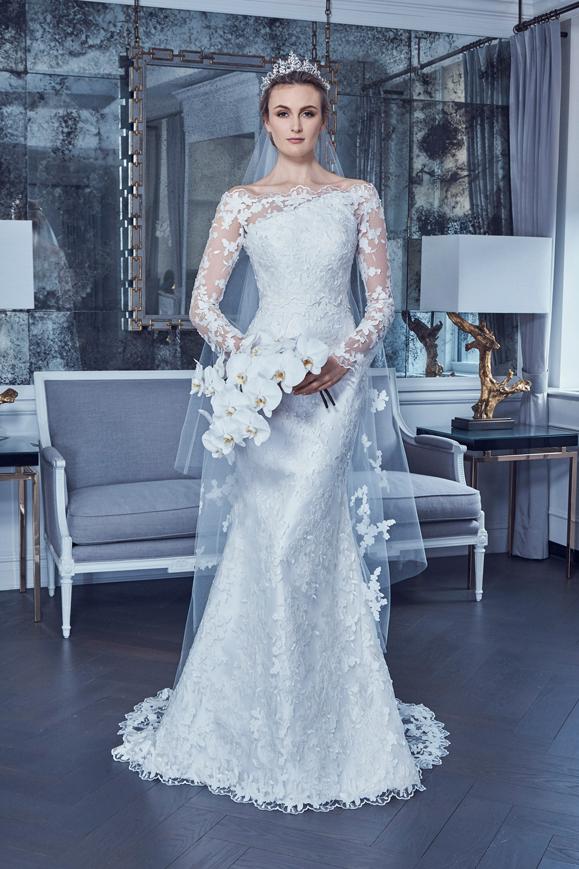 Abito da sposa a sirena in pizzo a maniche lunghe Romona Keveza collezione 2019