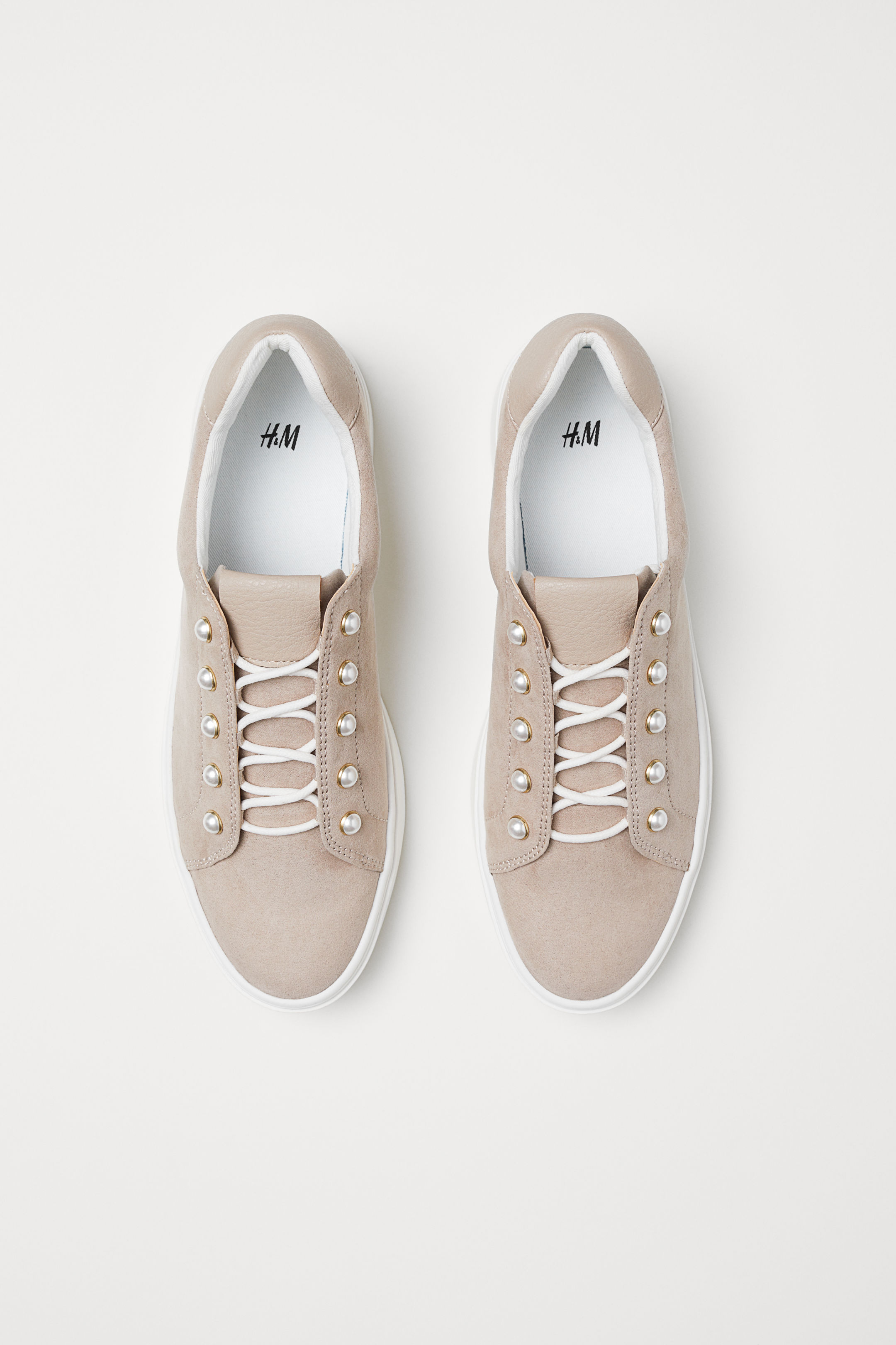 Scarpe da ginnastica H&M rosa con perle a 29,99 euro autunno inverno 2018 2019