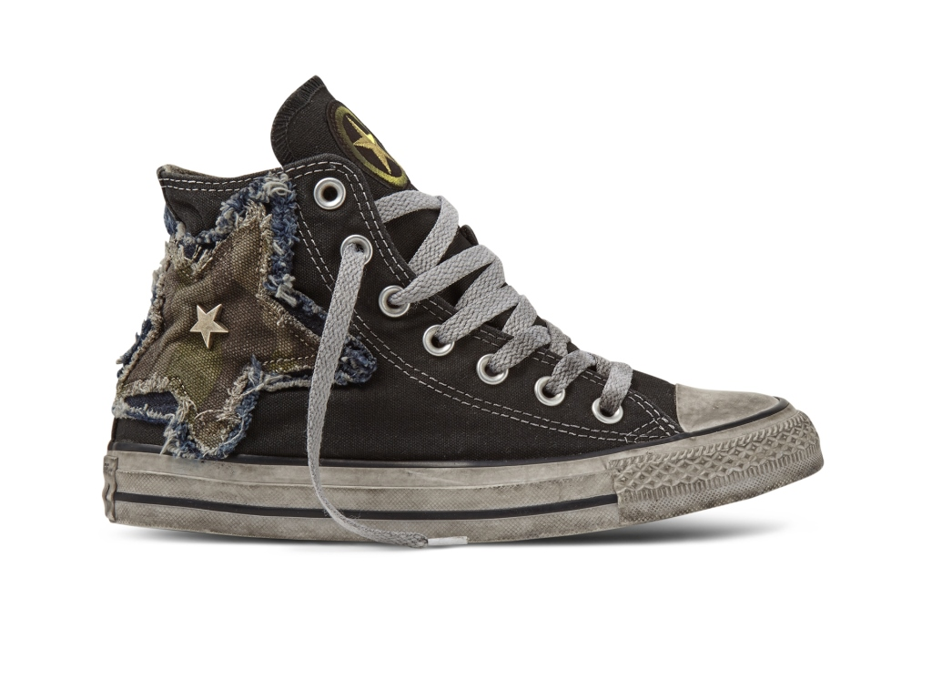 Sneakers Converse effetto vintage con patch