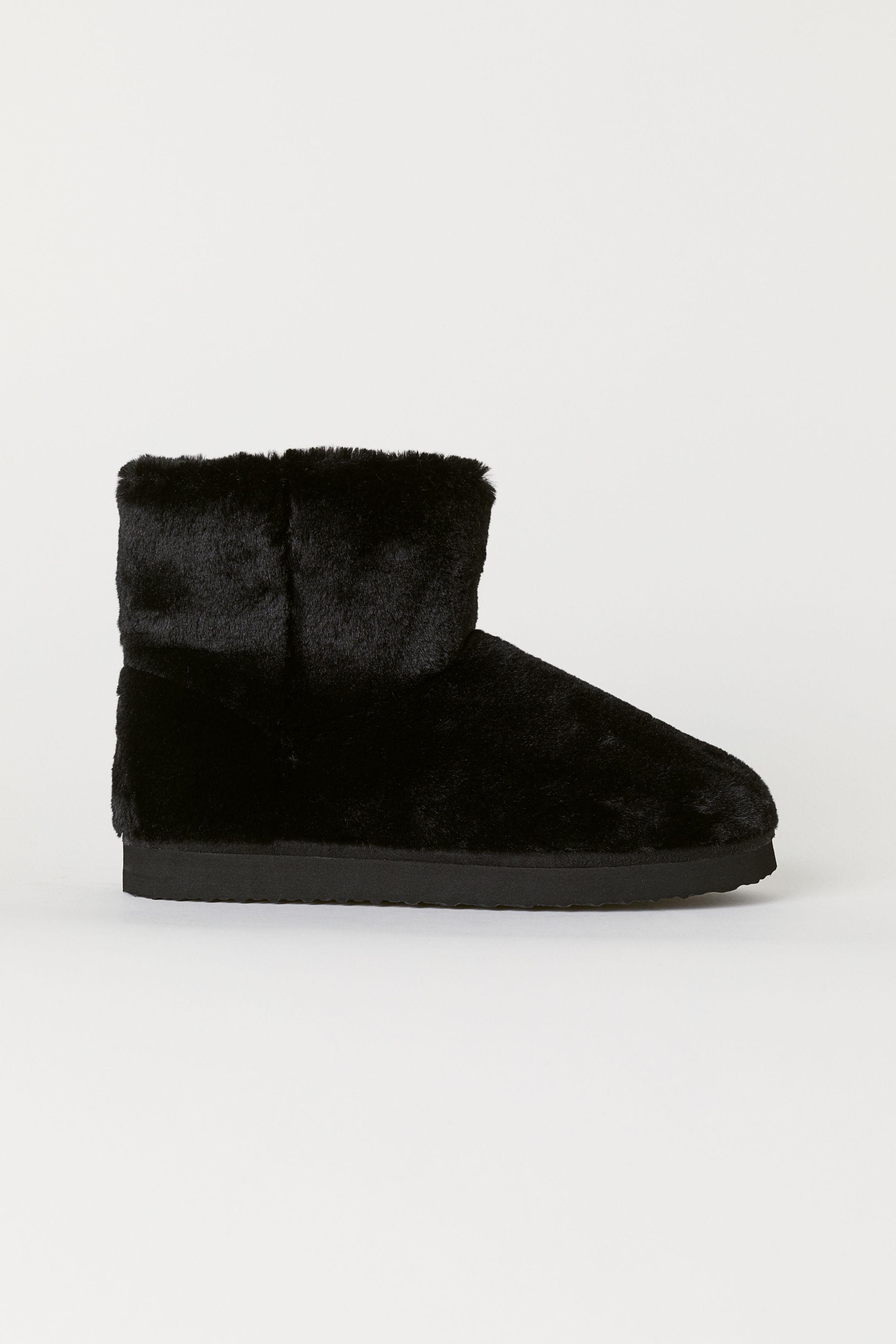 Stivaletti ugg in pelliccia H&M a 14,99 euro autunno inverno 2018 2019
