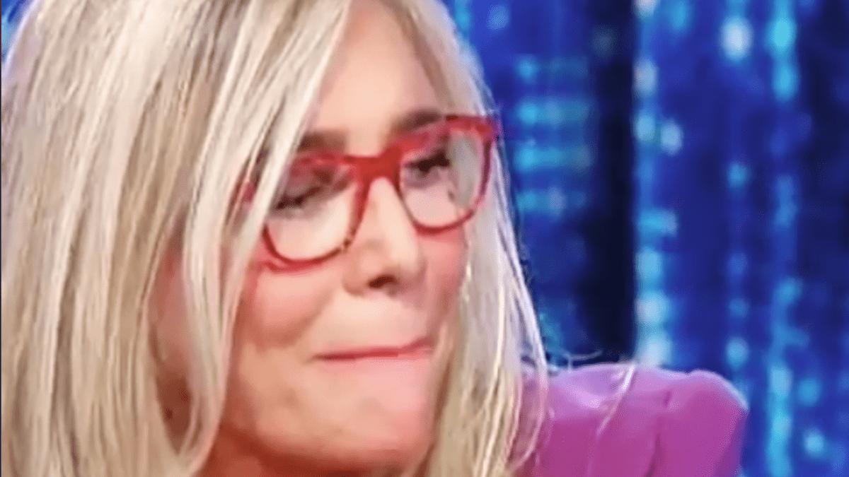 Mara Venier scoppia a piangere a Domenica In: 'Non ce la faccio ad andare avanti'