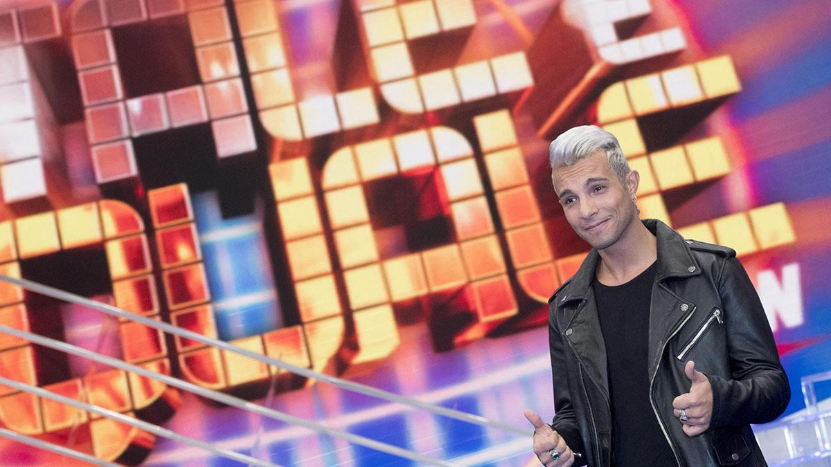 Marco Carta, coming out del cantante in tv: 'Sono gay'