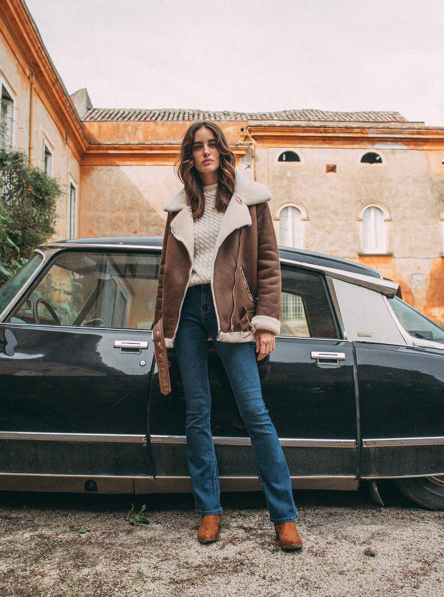 Jeans a zampa Piazza Italia a 19,95 euro autunno inverno 2018 2019