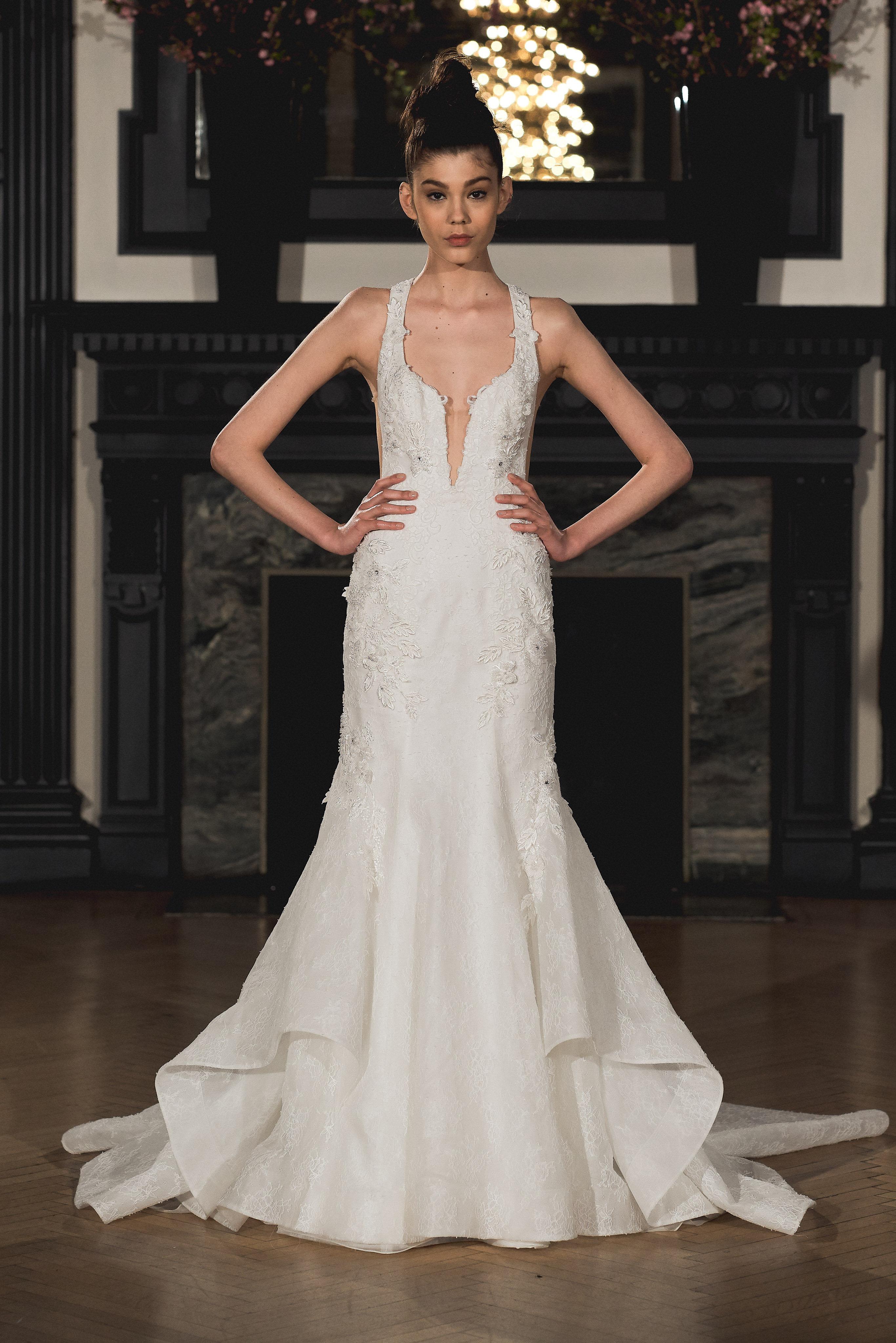 Vestito da sposa a sirena Ines Di Santo con strascico collezione 2019