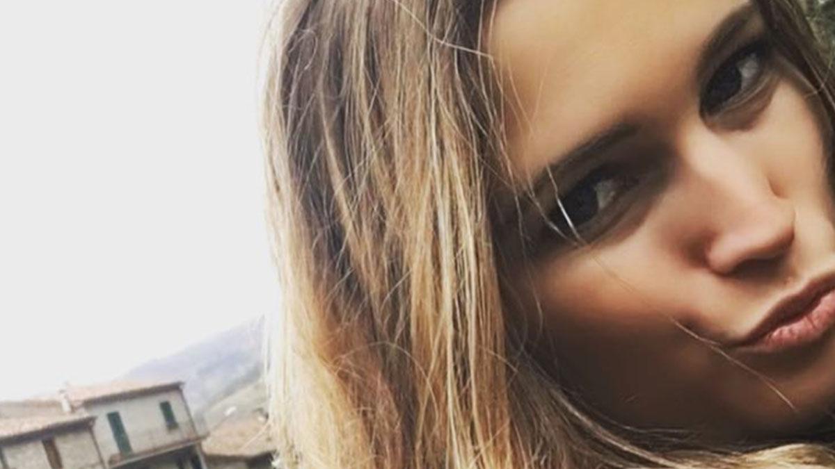 #CR4: Alessandra Cantini senza mutande, provocazione senza filtri