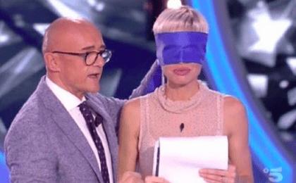 GF Vip 3, Alfonso Signorini confessa: 'Sono stato leccato da Ilary Blasi'