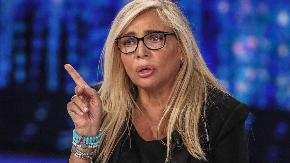 Mara Venier rivela: 'Io vittima di cartomanti e tarocchi'