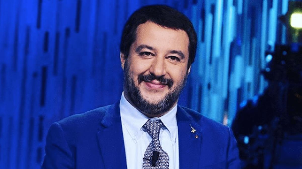 Matteo Salvini: 'Imbarazzato dalla foto di Elisa Isoardi? Non mi vergogno di aver amato'