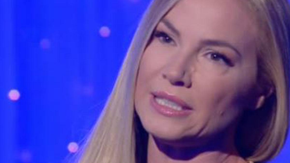 Federica Panicucci in lacrime al Costanzo Show